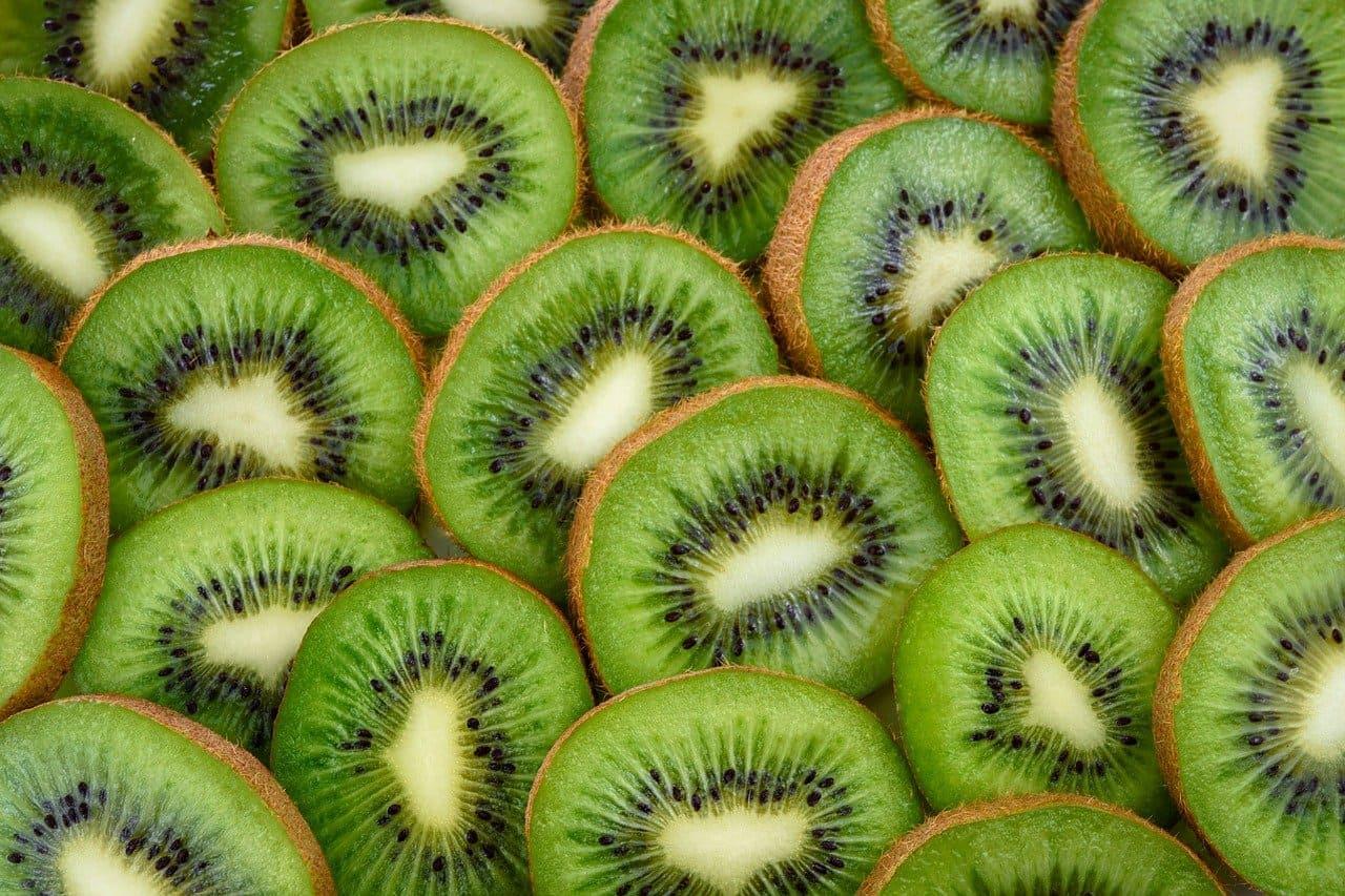 Beneficios del Kiwi para la salud y la piel